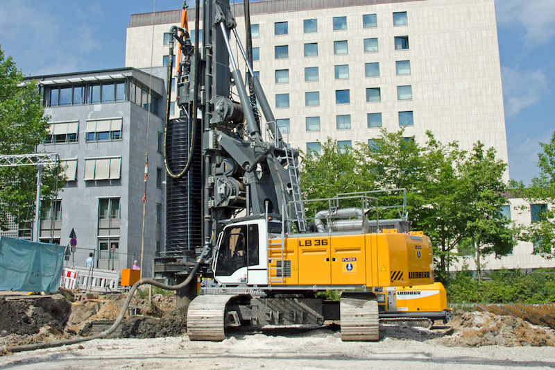 Liebherr rotary drivers drive inner continuous flight auger